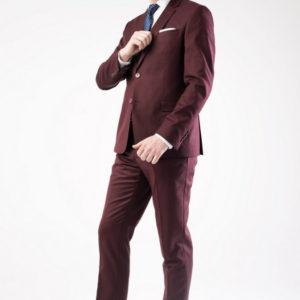 Мужской костюм бордовый.