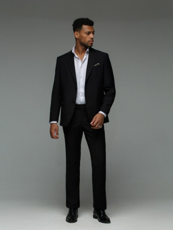 RICHARDS Мужской костюм черный однотонный.