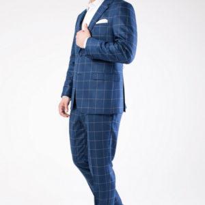 Мужской костюм темно синий в клетку.